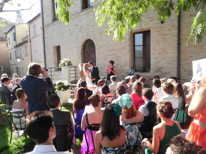 Matrimonio Simbolico All Aperto : Matrimonio all americana love me do wedding planner